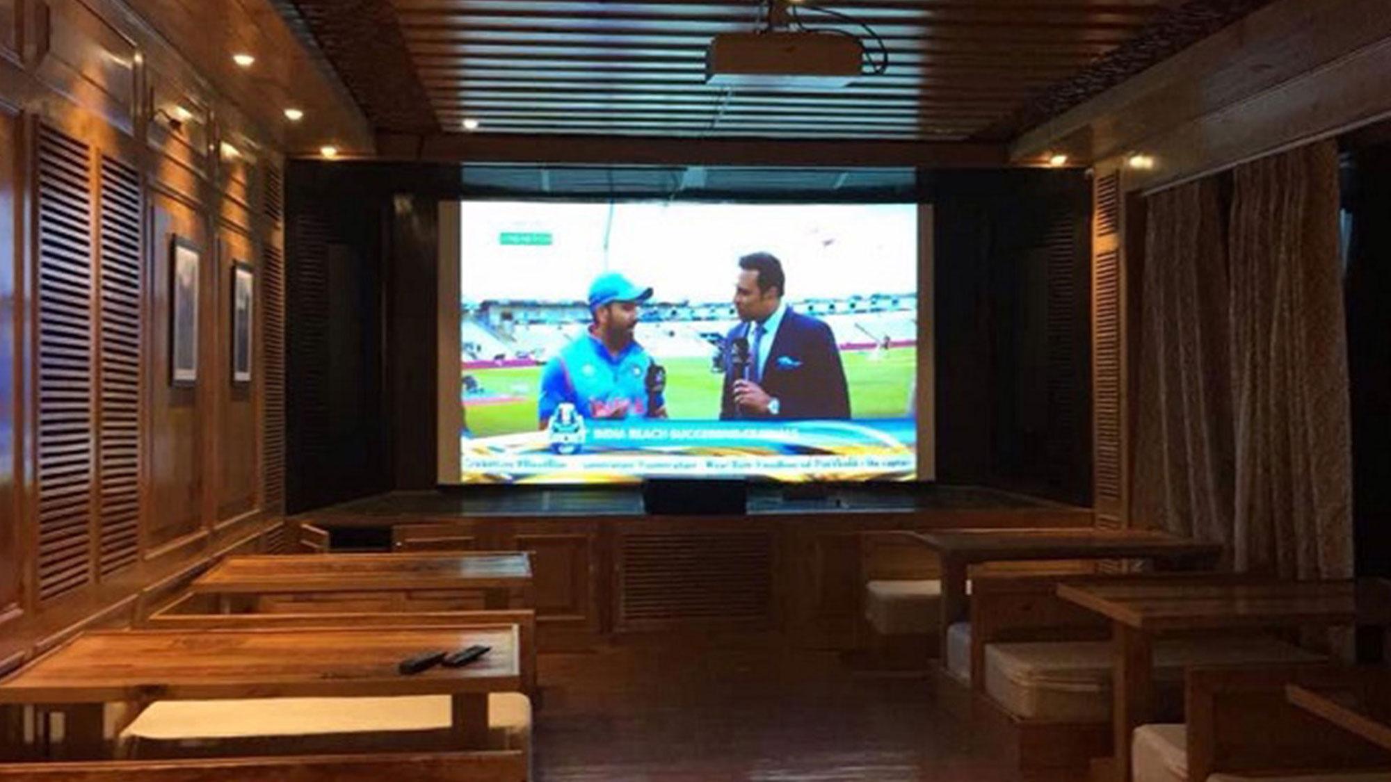 Yeti – The Sports Bar